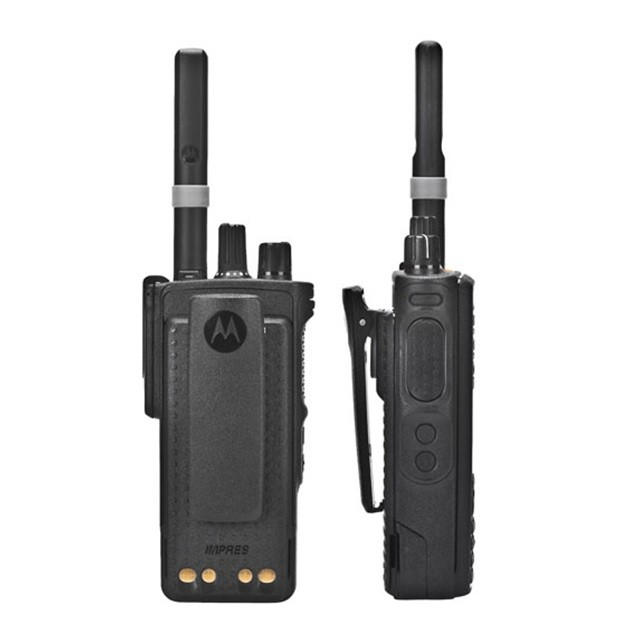 Рация Motorola DP4600е - вид сзади и сбоку