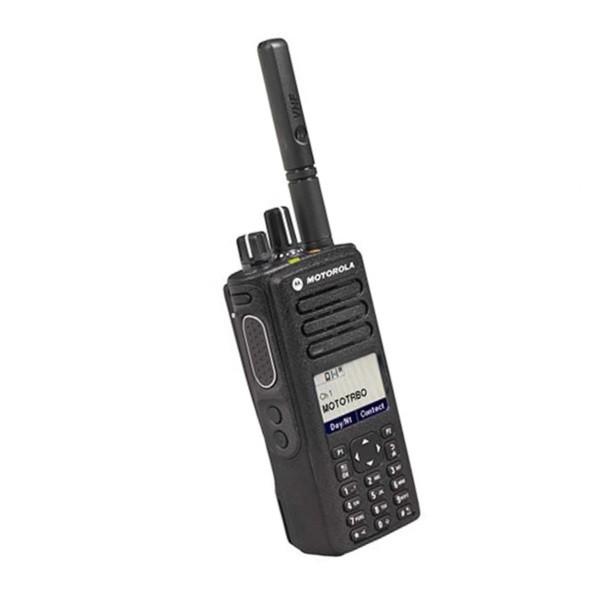 Рация Motorola DP4800е - боковые кнопки и дисплей